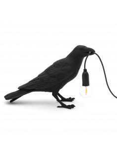 Lampe à poser Bird Lamp Waiting en forme d'oiseau en résine noir par Seletti