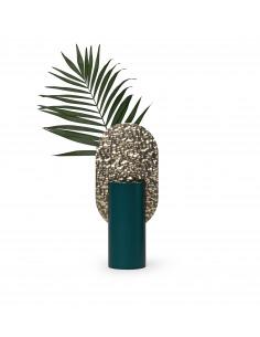 Vase Genke Limited Edition CSL3 en laiton martelé et acier peint au design contemporain par Kateryna Sokolova x Noom