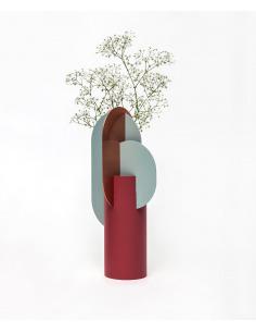 Vase Ekster Vase CS1 en cuivre et acier peint au design contemporain par Kateryna Sokolova x Noom