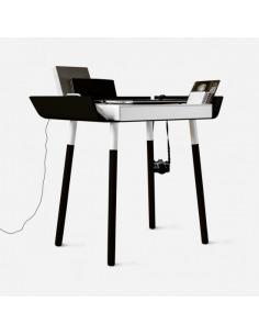 Bureau My Writing 1 en bois par Inesa Malafej au design scandinave