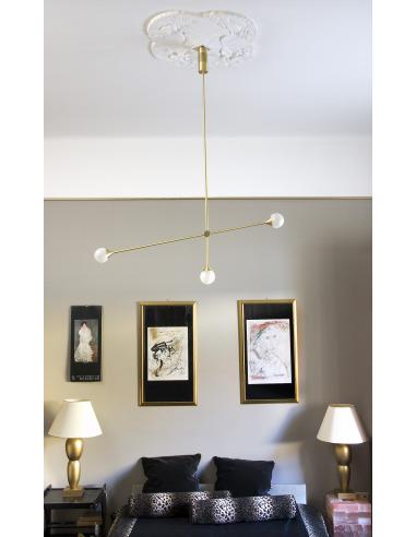 Suspension minimaliste Bullarum SI3 en laiton au design chic et élégant