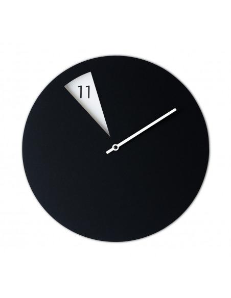 Horloge murale design FreakishClock Noir et Blanc en aluminium