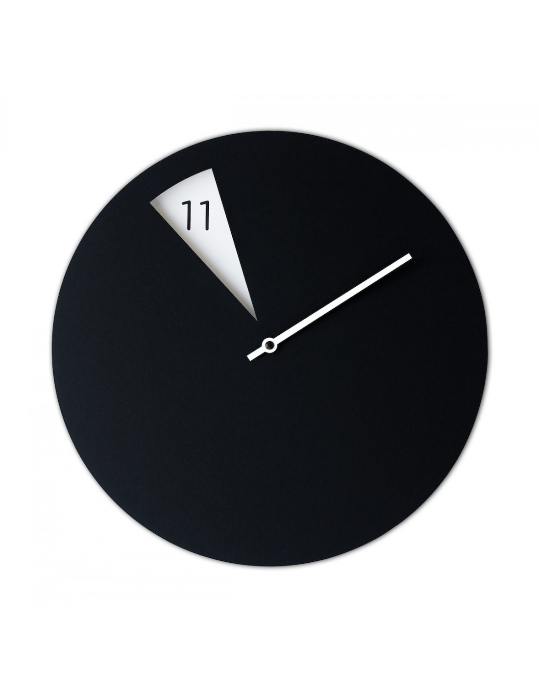 horloge murale design freakishclock noir et blanc en aluminium otoko. Black Bedroom Furniture Sets. Home Design Ideas