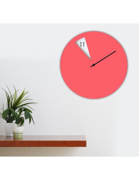 Horloge murale design FreakishClock Rose en aluminium