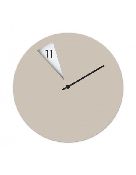 Horloge murale design FreakishClock Beige en aluminium