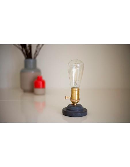 Lampe à poser design en béton anthracite Model 3 par Seenlight style industriel