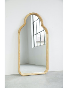 Miroir TRN en bois de frêne massif par Magda Jurek x Pani Jurek