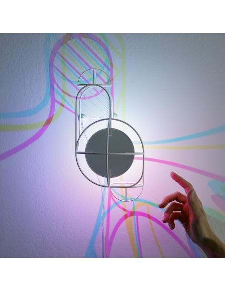 Applique murale artistique au design 3D CMYK Wall par le Studio Dennis Parren