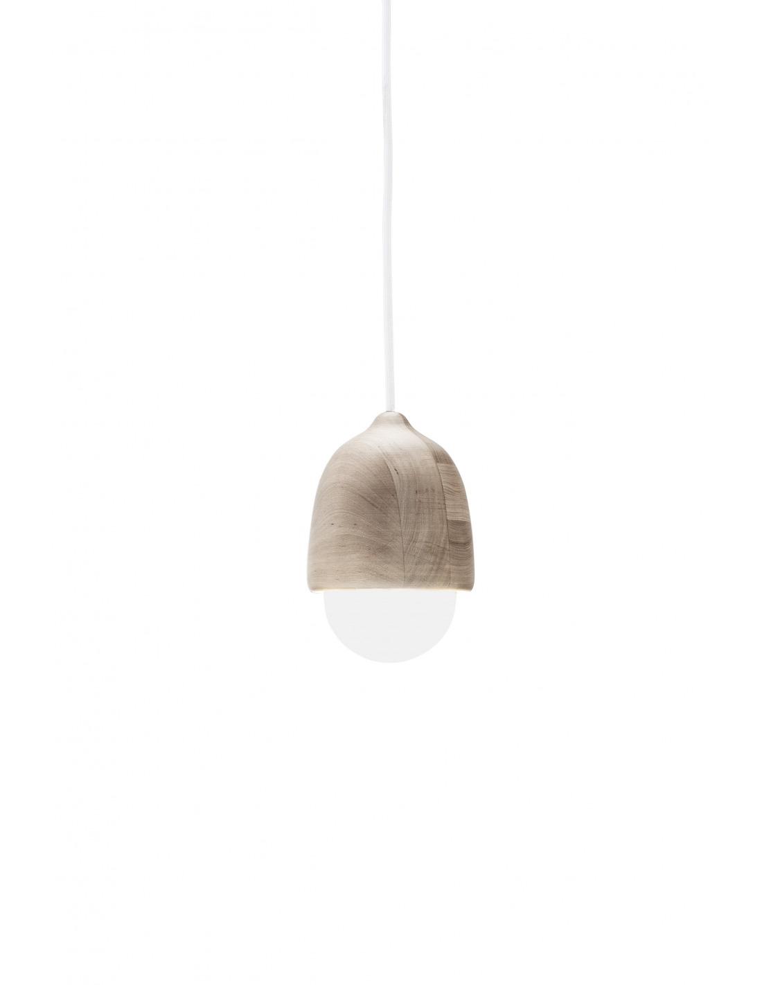 Suspension en bois et verre souffl terho lamp au design - Suspension scandinave bois ...