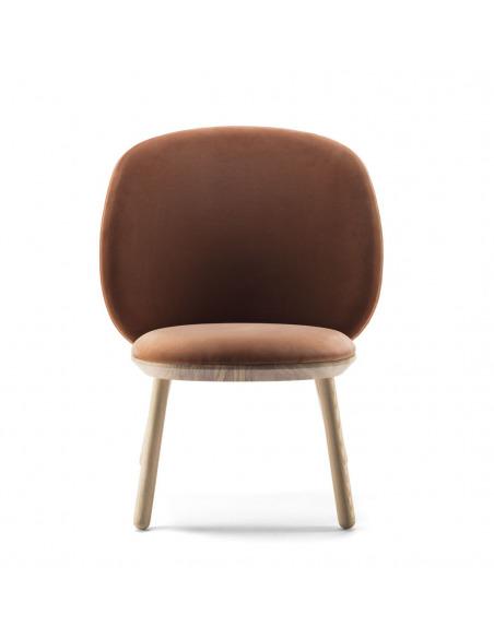 Fauteuil Naïve Low Chair en velour au design scandinave par etc.etc. x Emko