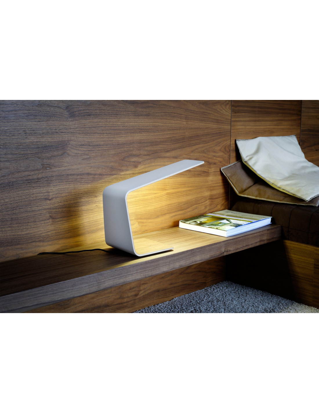 lampe poser tactile en bois led 1 couleur au design. Black Bedroom Furniture Sets. Home Design Ideas