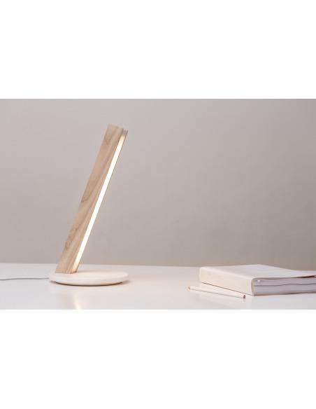 Lampe à poser tactile et station de charge pour smartphone en bois Led 40 au design scandinave et minimaliste
