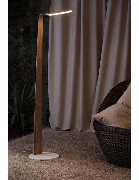 Lampadaire tactile en bois Led Swan au design scandinave et minimaliste