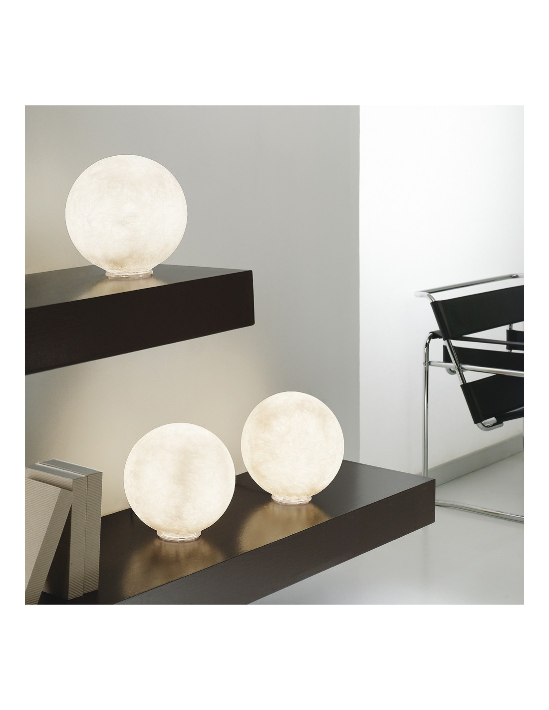 lampe poser petite lune au design original et moderne t moon en nebulite otoko. Black Bedroom Furniture Sets. Home Design Ideas