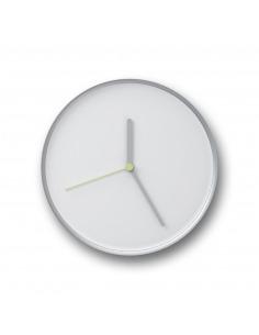 Horloge murale design et intemporelle Thin blanc en acier par Lena Billmeier & David Baur