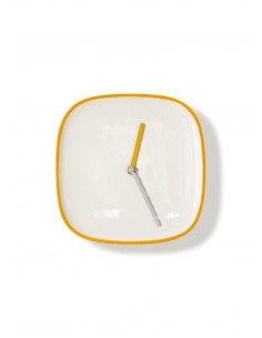 Horloge murale design et intemporelle Plate orange en ceramique par Lena Billmeier & David Baur