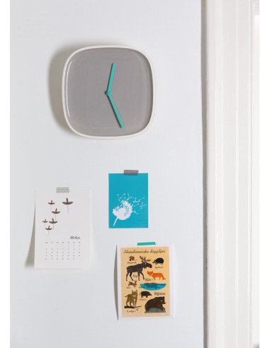 Horloge murale design et intemporelle Plate gris en ceramique par Lena Billmeier & David Baur