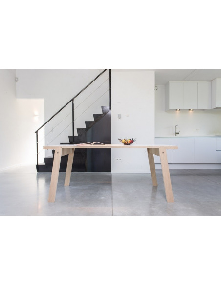 Table Flat L (2m) en bois au design contemporain