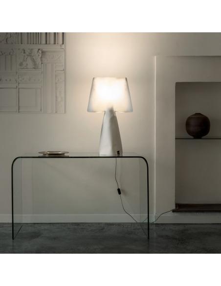 Lampe à poser La chic en PVC au design contemporain