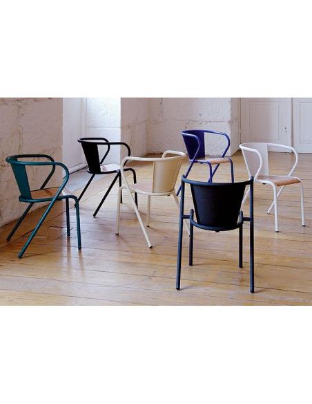 Chaise de bistrot portugais en métal et bois Gonçalo au style vintage