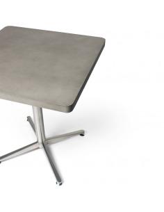 Table bistrot carré en béton