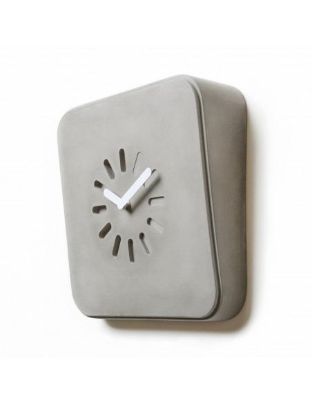 Horloge design Life in progress en béton par Lyon Béton