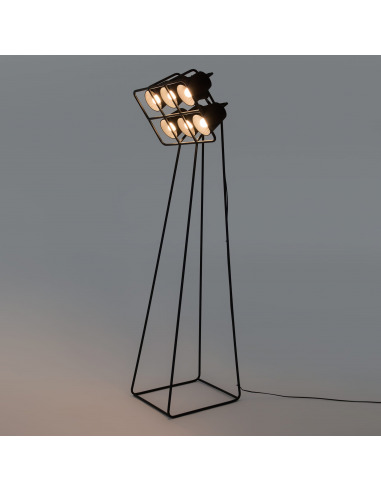 lampadaire multilamp au style industriel par seletti. Black Bedroom Furniture Sets. Home Design Ideas