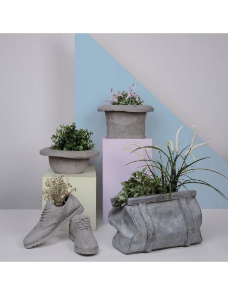 Vase en béton design CHAPEAU-CILINDRO par Seletti