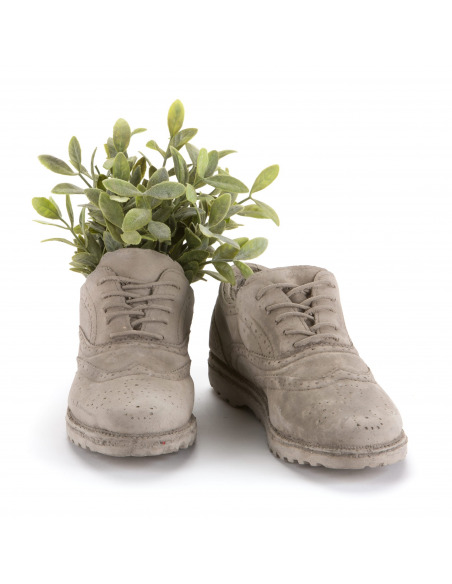 Vase en béton design en forme de chaussure par Seletti