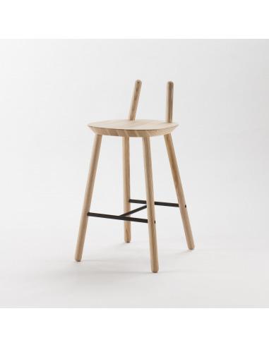 Tabouret / Chaise de bar Naïve en bois de frêne par etc.etc. au design scandinave