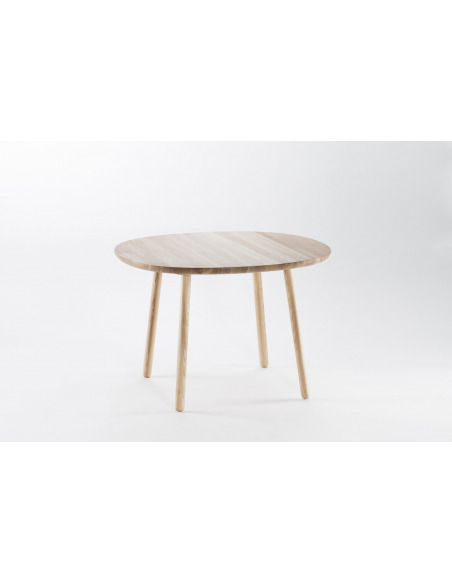 Table Naïve D90 en bois de frêne par etc.etc. au design scandinave