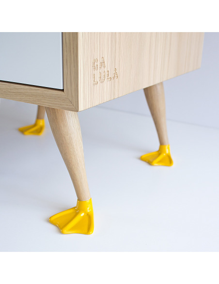 Table de chevet Tio par Filipa Mendes & Gustavo Macedo