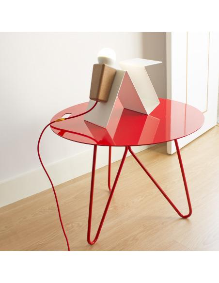 Table basse design SEIS en acier par Filipa Mendes & Gustavo Macedo