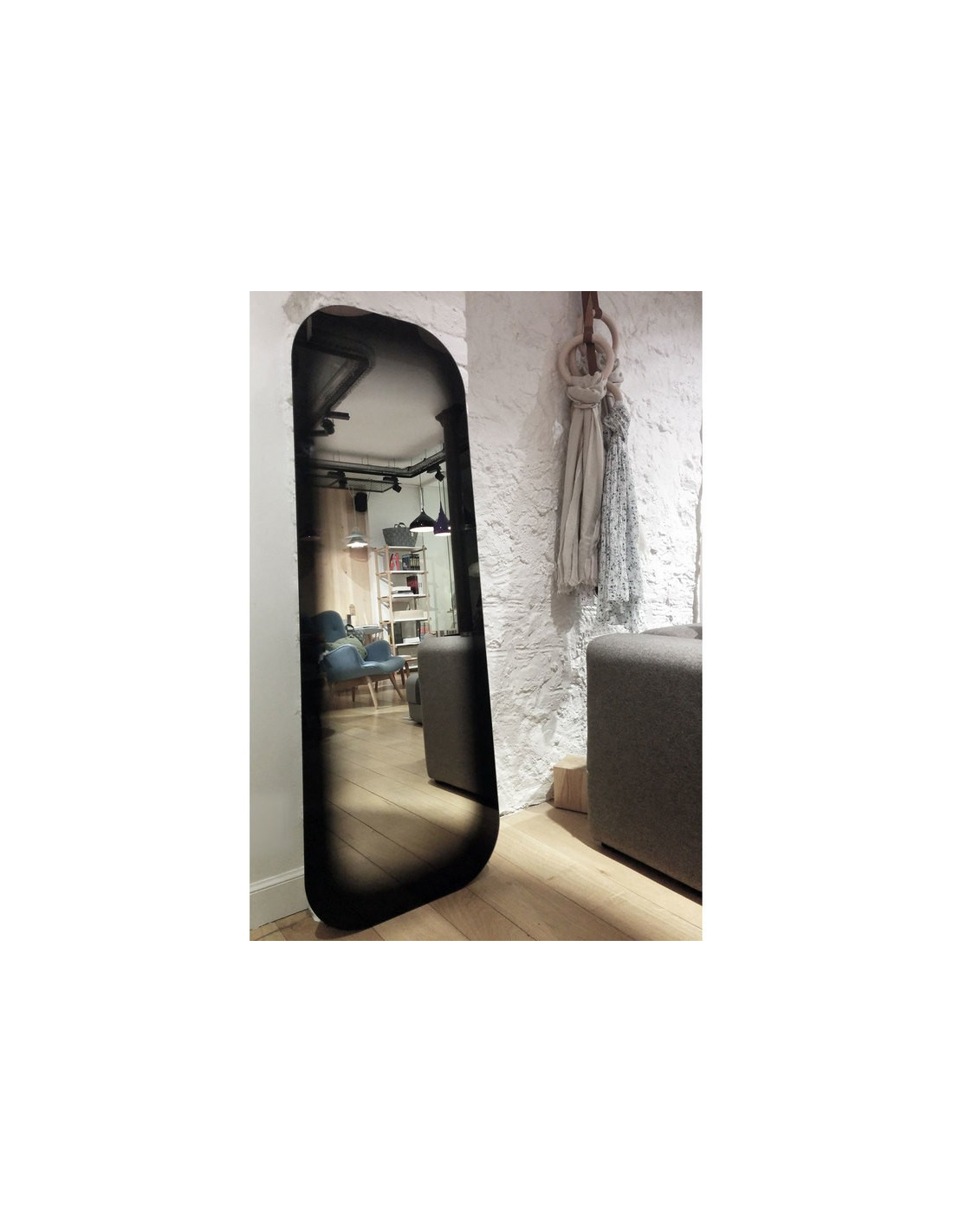 Miroir design fading noir par thomas eurlings otoko for Miroir design noir