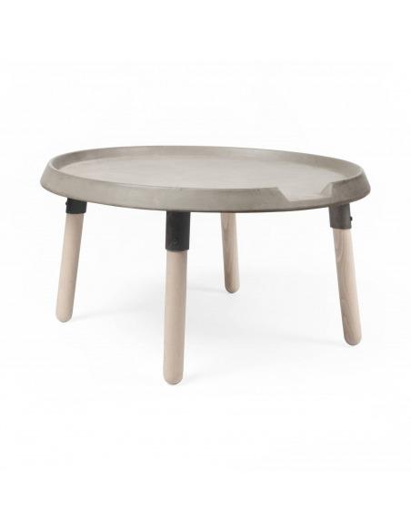 Table basse design MIX en béton avec piètements en bois par Bertrand Jayr et Lyon Beton