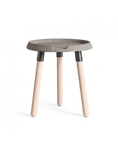 Table basse d\'appoint MIX en béton avec piètements en bois par ...
