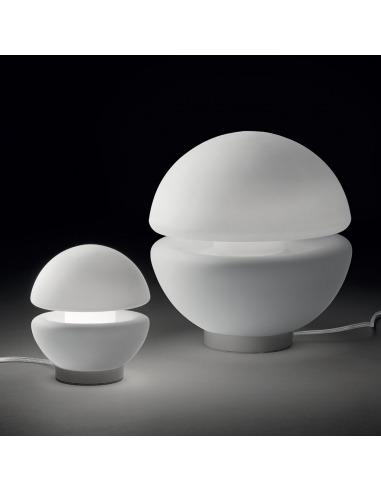 Lampe à poser Flaviux Ø14cm en verre souflé au design moderne