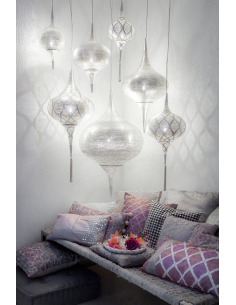la marque zenza propose une collection de luminaire design pour une atmosph re orientale. Black Bedroom Furniture Sets. Home Design Ideas