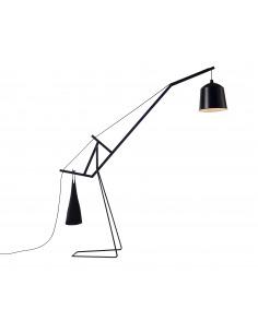 Lampadaire balance A FLOOR LAMP en bois de frêne par Aust & Amelung X Covo design