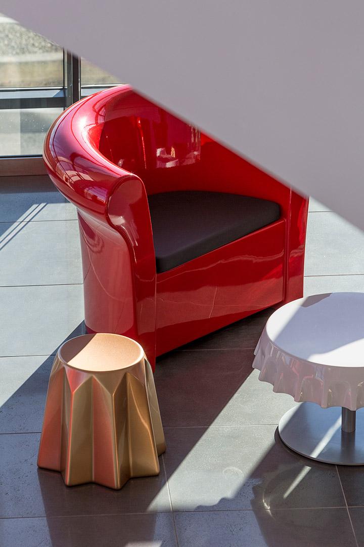 Fauteuil Kalla en polyéthylène par Gianni Arnaudo x SLIDE Studio