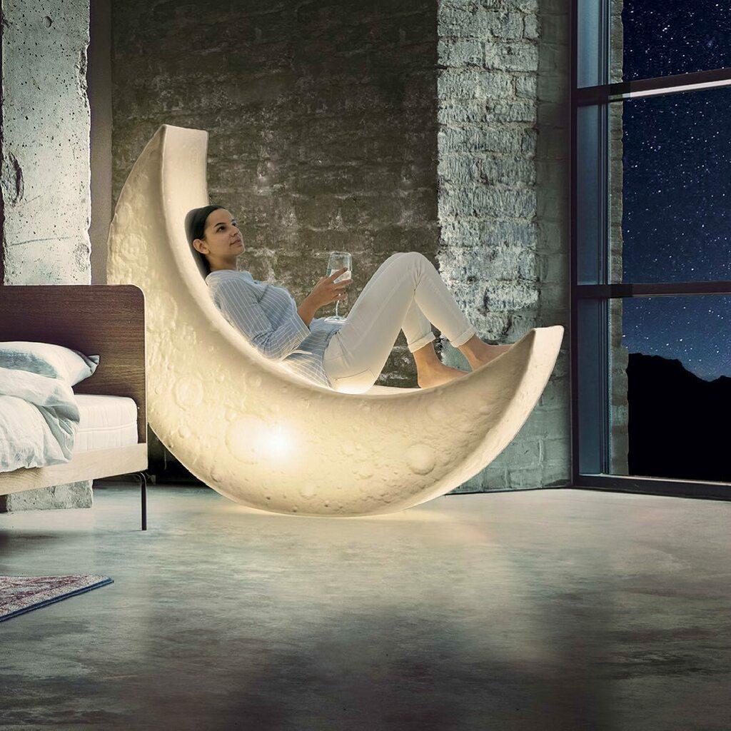 Lampadaire My Moon en forme de lune en polyéthylène par MARCANTONIO x Seletti
